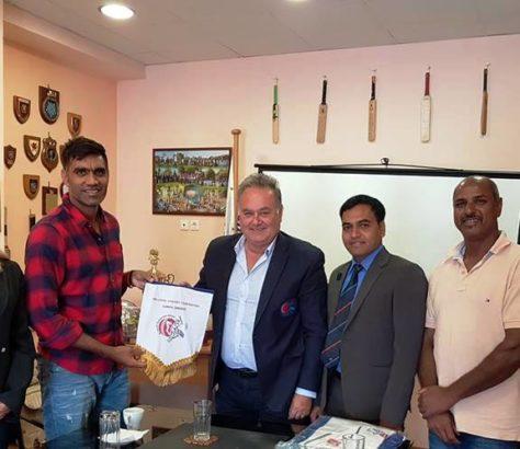 Επίσκεψη Του Munaf Patel Στην Κέρκυρα   Ελληνική Ομοσπονδία Κρίκετ