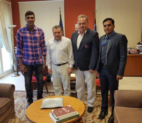 Munaf Patel Με τον Περιφερειάρχη Ιονίων Νήσων   Ελληνική Ομοσπονδία Κρίκετ